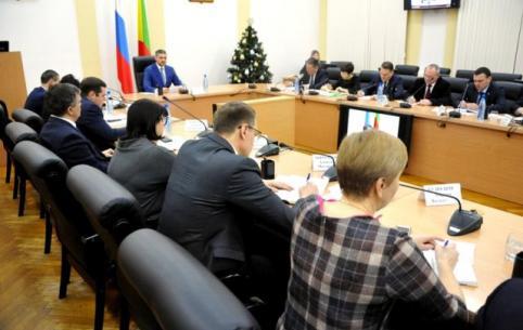 Осипов в первый рабочий день обозначил направления работы правительства