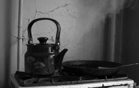 Родители ошпарили кипятком из чайника 1,5-годовалую дочку и оставили умирать
