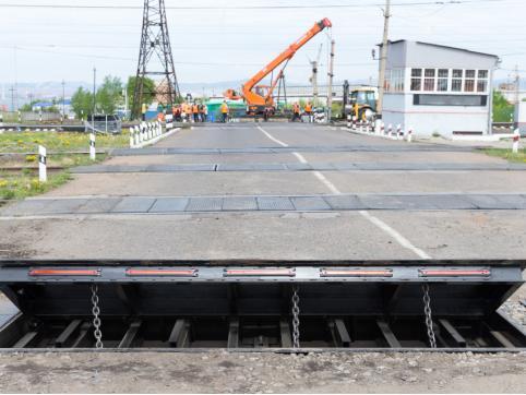 Движение через переезд в Атамановке перекрыли 9 сентября из-за ремонтных работ