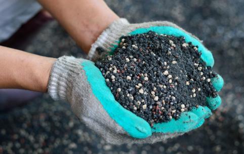 Самая популярная десятка минеральных удобрений