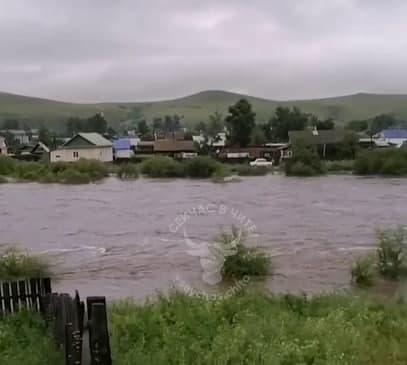 Села Чернышевского района затопило, мосты смыты