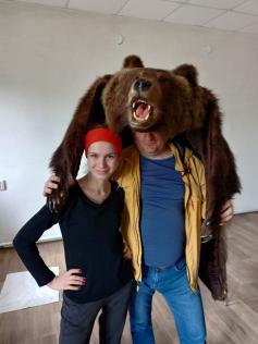 В новый дом обычно запускают кошку, а мы медведя.