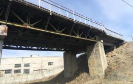 Ремонт моста через ж/д пути в Дарасуне отложен из-за несоответствия требованиям претендента