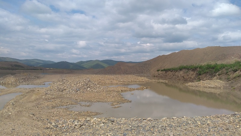 Прокуратура подала в суд на «Урюмкан» за загрязнение рек в Нижнем Гирюнино
