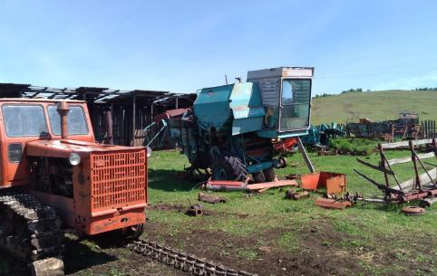 Как развалили колхоз в Нижней Хиле — видео от «Вечорки Light»