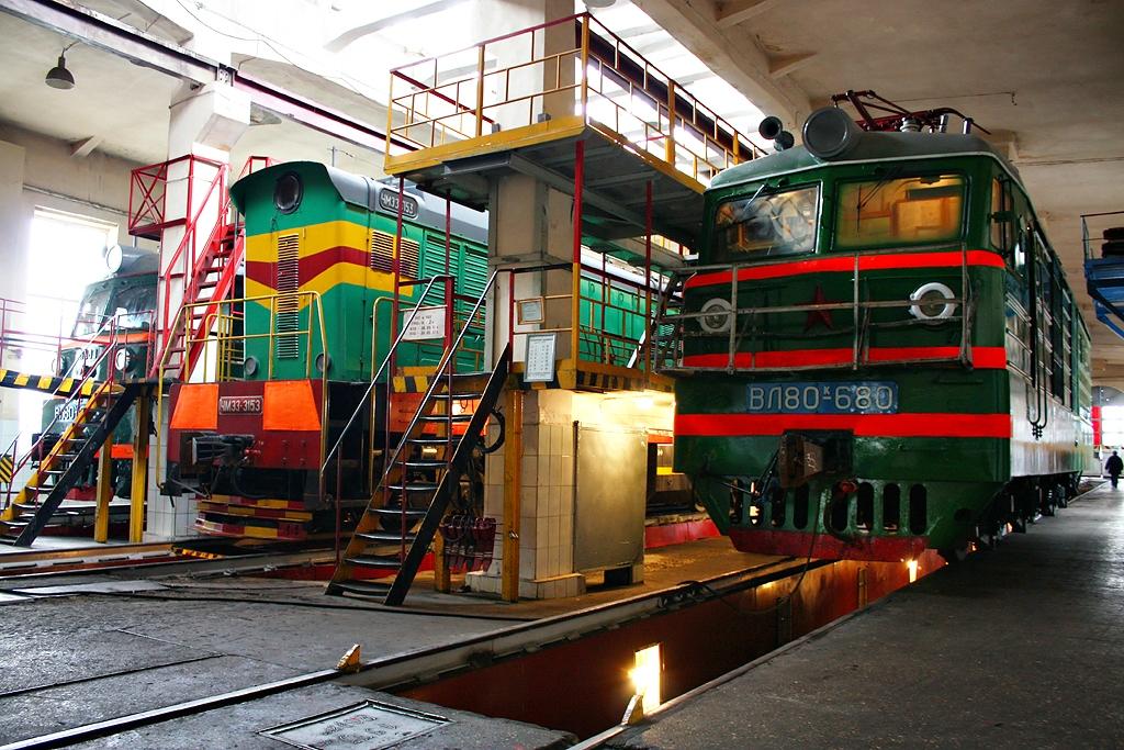 Массовые задержания прошли в локомотивном депо на станции Борзя