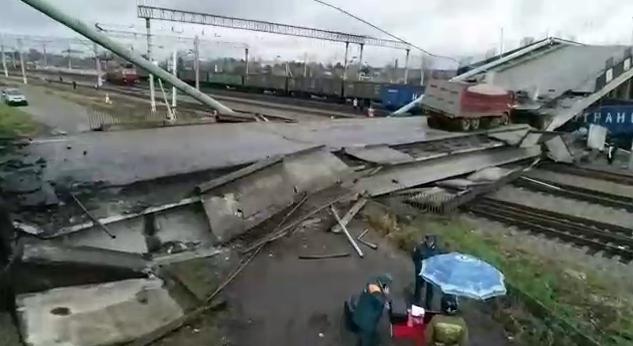 Два поезда встали на Транссибе из-за обрушения моста