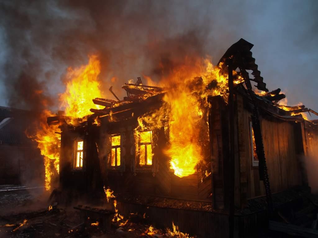 Делом сгоревших на пожаре в Урейске детей займётся следком