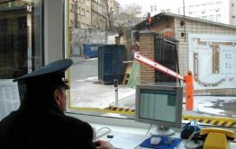 Сторож автостоянки в Петровске открыл шлагбаум угонщику