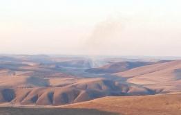Возле Первомайского буйствует степной пожар