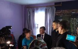 Осипов поручил разобраться с пропиской многодетной матери, история которой растрогала его до слез