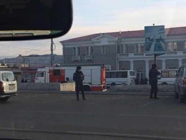 В Чите оцепили ЖД-вокзал
