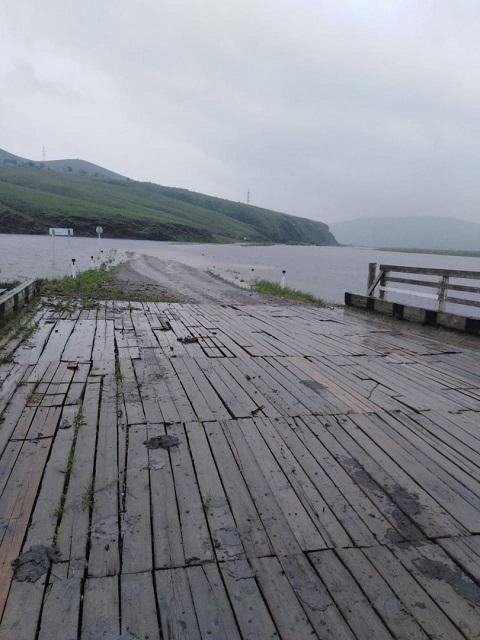 Разлившийся Онон затопил дорогу на подъезде к Нуринску