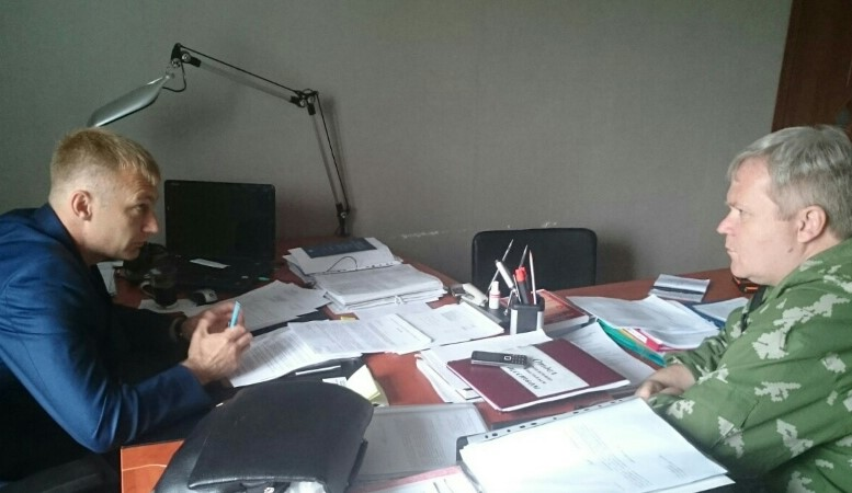 Строитель дома для переселенцев заявил в полицию о взятках мэру Могочи