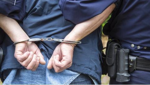 Полицейские задержали в Чите мужчину, находящегося в федеральном розыске