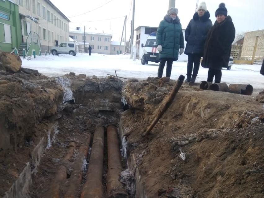 Авария на теплотрассе в селе Маккавеево устранена