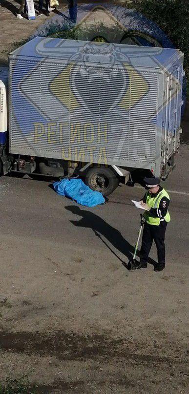 В Чите водитель грузовика насмерть сбил ребёнка