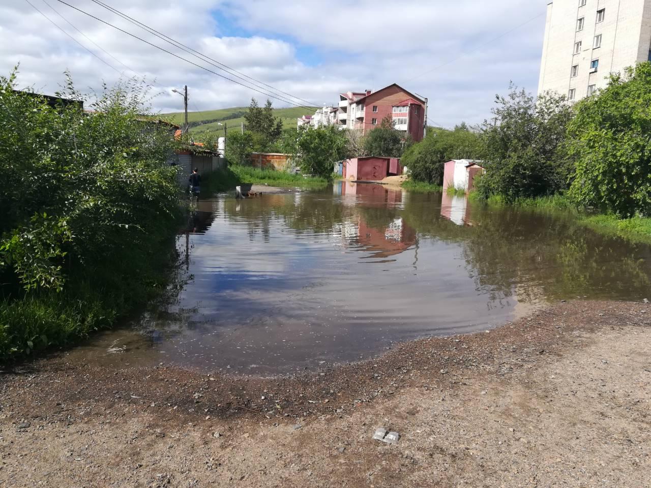 «Вечорка» побывала в Атамановке, где дачные кооперативы пострадали от паводка (видео)