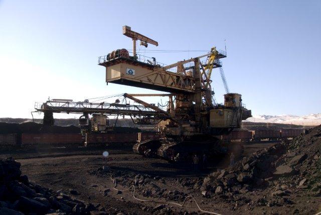 На Уртуйском разрезе очередь из 48 машин, приехавших за углем