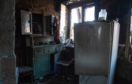 Читательница «Вечорки» предложила погорельцам дом для проживания