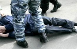 Избивший Бациллу начальник нерчинского ГИБДД избежал не только уголовной, но и административной ответственности