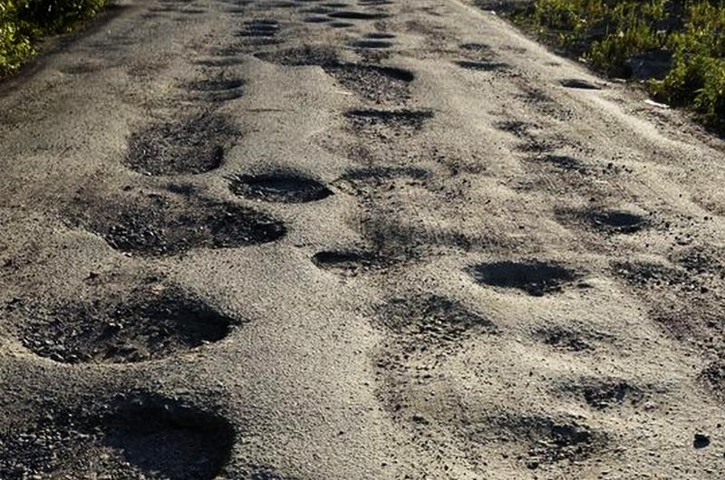 Более 16 млн р. потратят на дорогу до поселка с колонией строгого режима