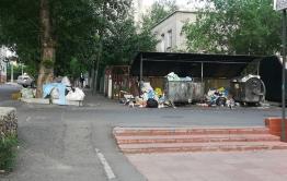 В Чите детсад № 53 заваливают бытовым мусором