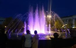 Музыкальный фонтан на площади Ленина в Чите заработал после починки