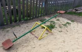 Детям из Мироново не положена детская площадка