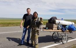 Водитель «Вечорки-Экспедиции» пообщался с якутским шаманом, идущим до Москвы