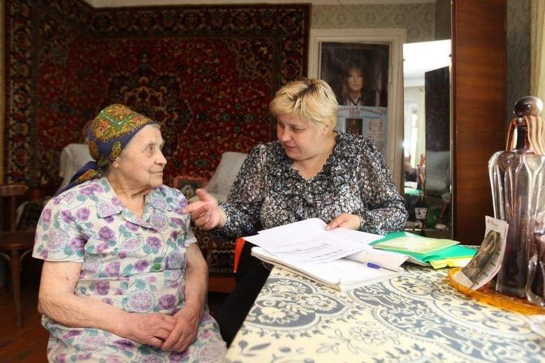 Соцработники навестили пенсионерку из Оловяннинского района после письма, опубликованного в «Вечорке»