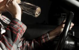 Пьяного угонщика задержала полиция в Улетах