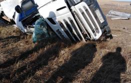 В Забайкальском районе перевернулась фура, водитель погиб на месте