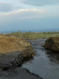 Вода размыла мост в селе Домна-Ключи. 24 мая