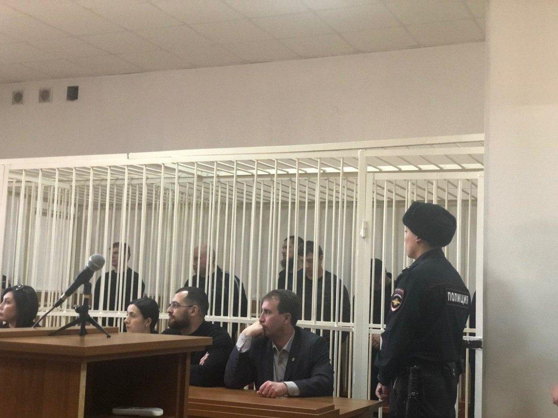 Члены банды «Ключевские» получили от 23 до 25 лет строгача за убийства и похищения людей