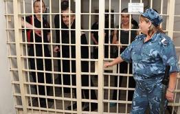 Двое братьев из села обматерили полицейских в Краснокаменске, чтобы переночевать в ИВС