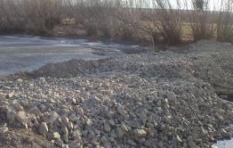 Депутат Оловяннинского райсовета перекрыл нерестовую речку в Ясной дамбой