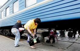 В Хада-Булаке Оловяннинского района дети ходят в школу по железнодорожным путям