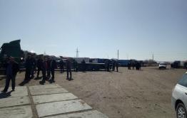 Более 600 фур скопилось на границе в Забайкальске