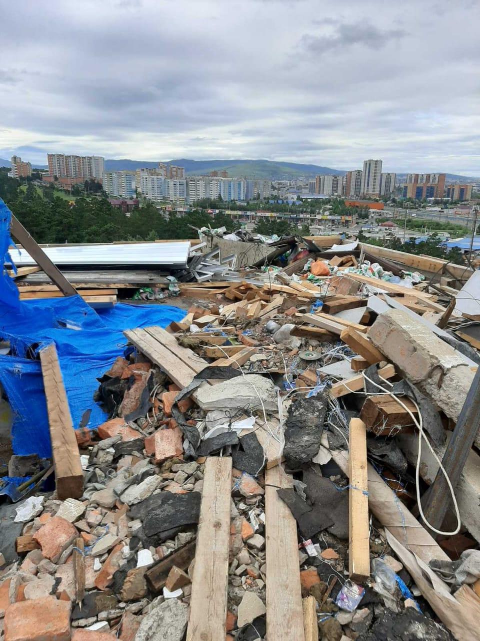 Забайкальцы, пострадавшие от дождя во время капремонта крыши, могут получить компенсацию