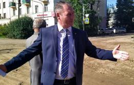 Александр Сапожников проверил ход выполнения ремонтных работ в Чите (видео)