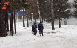 Россияне рассказали о строгих правилах карантина в санатории под Тюменью. Их охраняет ОМОН