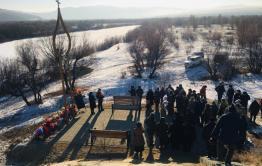 Мемориал памяти погибшим в катастрофе с автобусом открыли в Сретенске