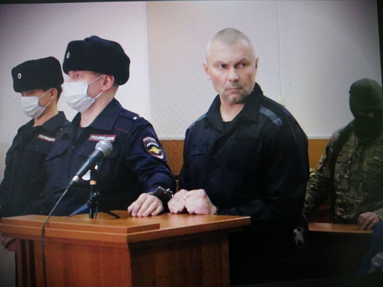 В Чите в качестве свидетеля по делу вора в законе Тахи допрашивают его криминального оппонента Ведеру (видео)