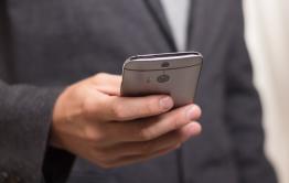 В России предложили запретить оформлять кредиты через мобильные приложения