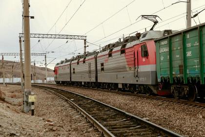 Грузовой поезд насмерть сбил мужчину в Забайкалье
