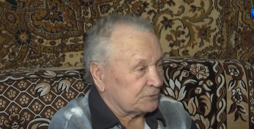 В Агинском районе 89-летний пенсионер получил статус труженика тыла