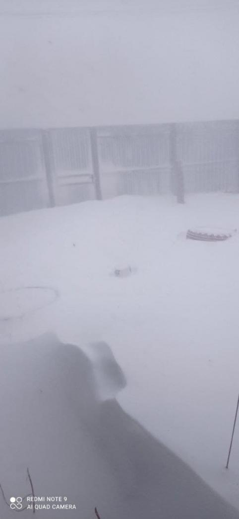 Режим ЧС могут ввести в Забайкальске из-за ветра и снега. Поселок остался без света.