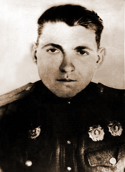 В Чите установили мемориальную доску в честь Героя Советского Союза