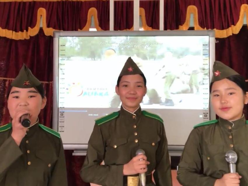 Знаменитую «Катюшу» спели на трёх языках в День Победы в Забайкалье